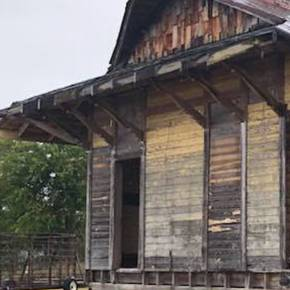 Arch students aid restoration of historic Deanville train depot
