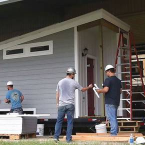 Student-designed, built 'tiny' homes to house homeless