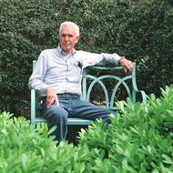 Emeritus prof who founded renowned garden dies