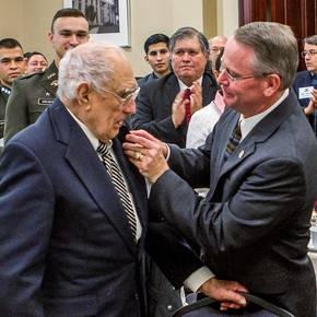 Architect, war hero William Peña named distinguished alumnus