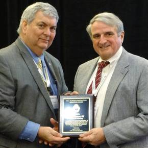 CoSci prof earns education award from national construction group