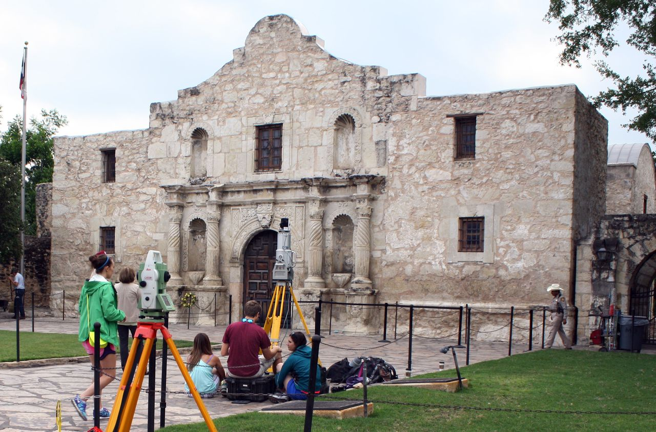 CHC study reveals decay on Alamo's iconic west facade ...